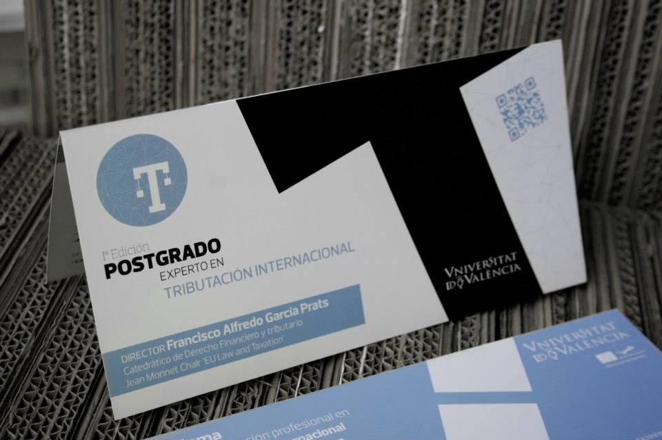 Diseño díptico publicitario Postgrado Experto en tributación internacional.