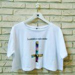 Camiseta LO PROHIBIDO SE VUELVE TENTADOR. Impresión digital