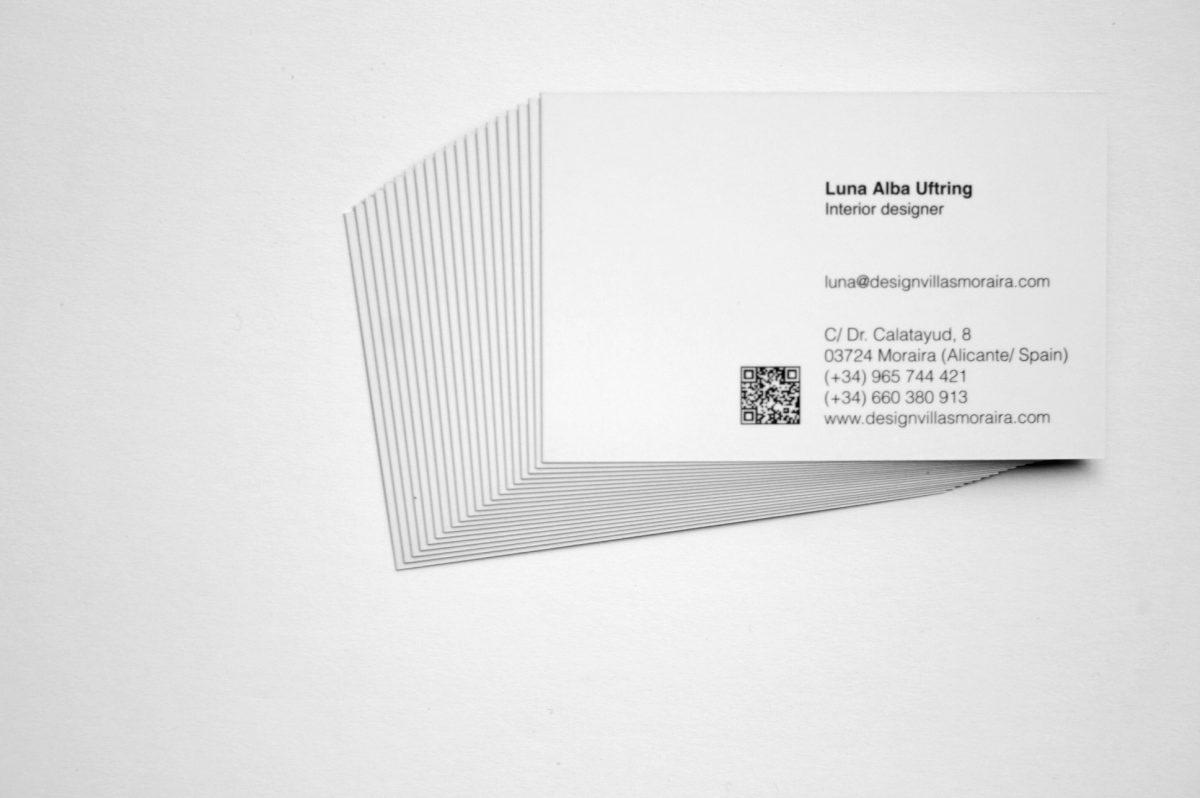 Design Villas Moraira. Tarjetas Luna Alba. Impresión offset CMYK, papel estucado mate 350gr, plastificado mate 2 caras.