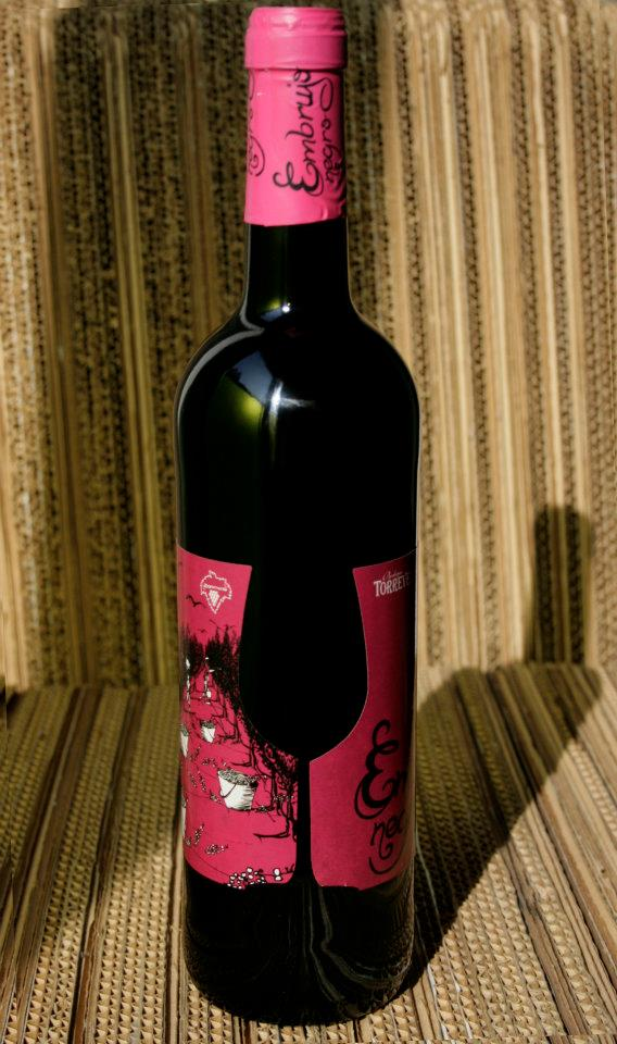 Detalle troquel etiqueta. Diseño labeling para vino tinto de las bodegas Torrevellisca-Zagromonte