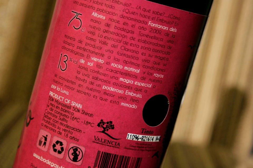 Información de cata y tipo de uva. Diseño labeling para vino tinto de las bodegas Torrevellisca-Zagromonte