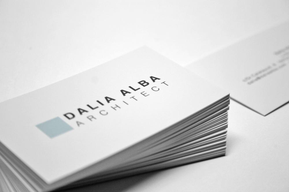 Tarjetas Dalia Alba Architect. Impresión offset CMYK 4+4, papel estucado mate 350gr con plastificado mate.