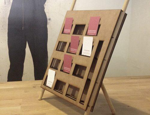Diseño sistema expositivo tarjetas y flyer – Comarca Matarraña –